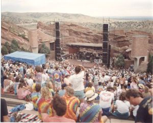 748px-Red_Rocks_Amphitheater_with_deadheads_waiting_to_start_taken_8-11-1987